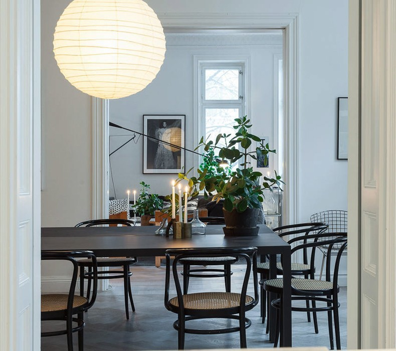 homLotta-Aagtons-apartment-dining-room1